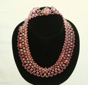 Mid Century Perlen Collier rosa Töne