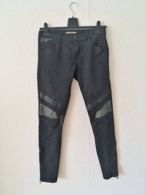 Mid-Waist Skinny Jeans mit Lederpatches