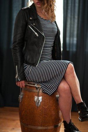 Midi- Kleid gestreift