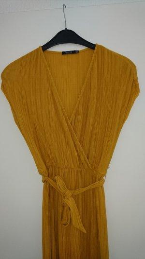 Bershka Midi-jurk geel