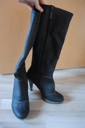 Miete mich für 10 € coole Stiefel von S.Oliver :)