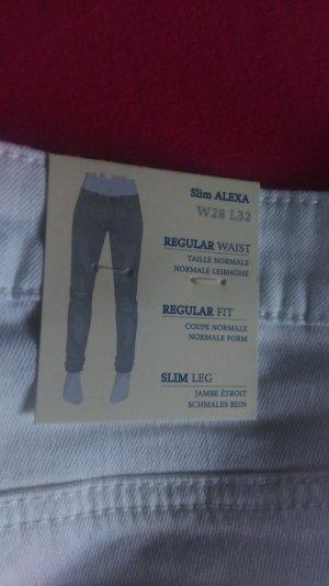 Miete mich für 8 € Tom Tailor Jeans weiß Alexa :)