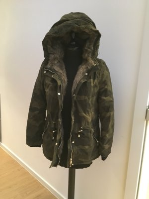Military Camouflage Parker Winterjacke mit Fell