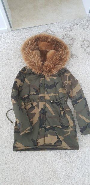 Military Jacke mit XXXL Kragen