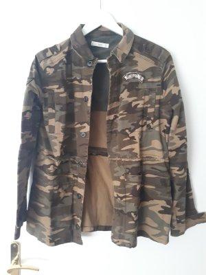 Militaryjacke mit Camouflage