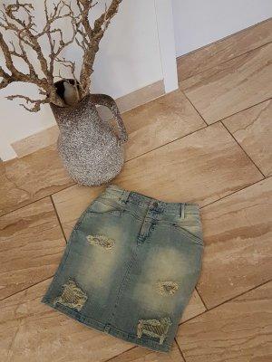 Mini Jeansrock mit Rissen