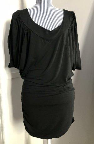 Mini Kleid in schwarz mit Fledermaus-Ärmeln