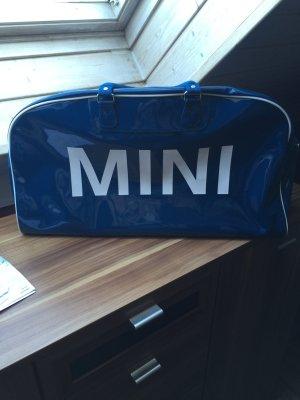 Mini Tasche, Lack, blau, mit Umhängegurt, guter Zustand