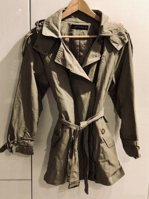 Mini Trenchcoat von Zara