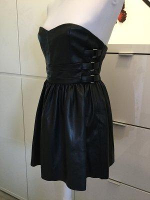 Minikleid aus Kunstleder von Zara