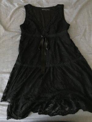 Minikleid aus schwarzer Spitze