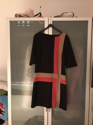Minikleid im Seventies Style