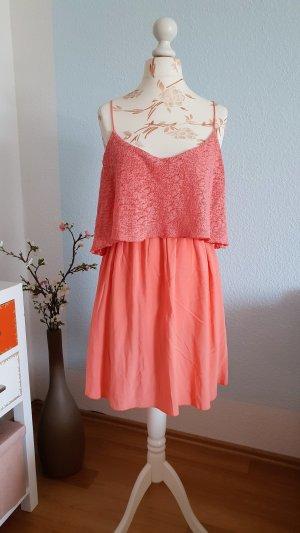 Minikleid mit Cape- Oberteil, Sommerkleid von Mango