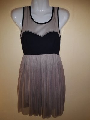 Minikleid mit tollem Rückenausschnitt