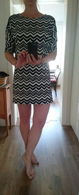 Minikleid schwarz-weiß