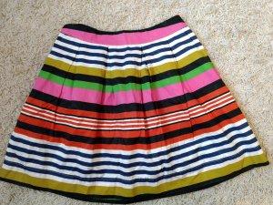 Minikleid, Sommerkleid mit dünnen Trägern mit Blümchen, vorne durchgeknöpft