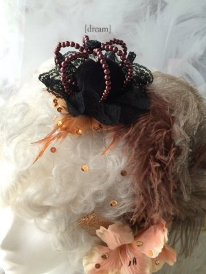 Headdress black-grey violet