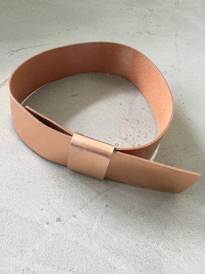 Minimalistischer Taillengürtel aus Leder // Kupfer // Cos