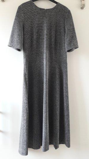 Minimalistisches Dress aus heavy Jersey, wie neu