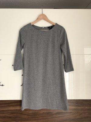 Minimalistisches Kleid