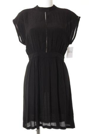 Minimum Blusenkleid schwarz schlichter Stil