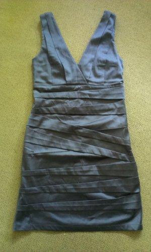 minimum Kleid, figurbetont