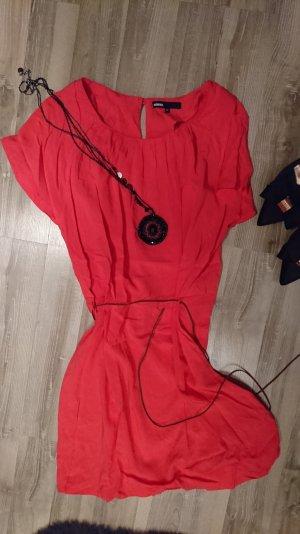 Minimum Kleid in Pink