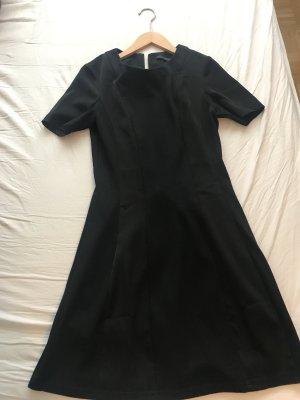 Minimum Kleid (NEU) in schwarz