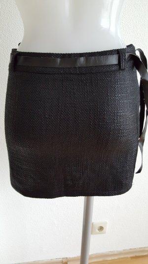 Minirock aus glänzendem Stoff