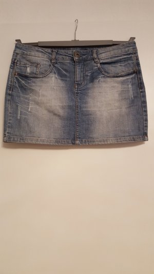 Minirock aus Jeans in Use-Look