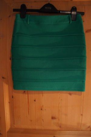 Minirock grün Paprika Größe 36