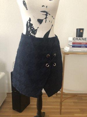 Minirock im Tweed-Look von Zara