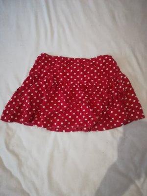 Minirock in Rot mit weißen Punkten