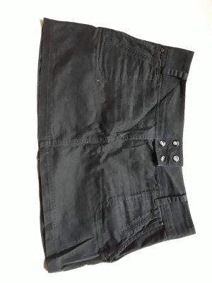 Minirock in schwarz gestreift