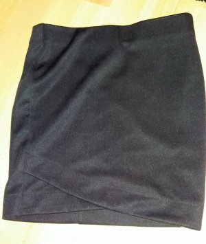 Minirock in Stretch, dunkelviolett/schimmernd, Gr.34, H&M