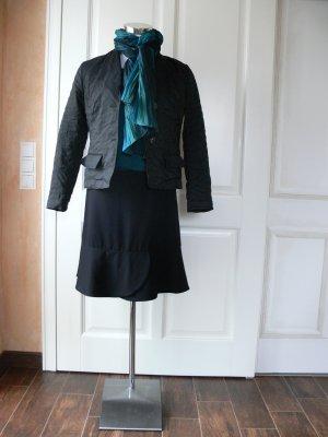 Minirock, schwarz mit geradem Volant