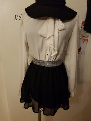 ♡ Minirock schwarz Rüschchen
