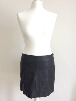 Zara Trafaluc Falda de cuero negro