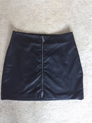 Zara Falda de cuero de imitación negro