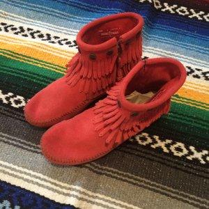 Minnetonka Wildleder Boots