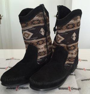 MINNETONKA Wildleder Boots, schwarz, NEU