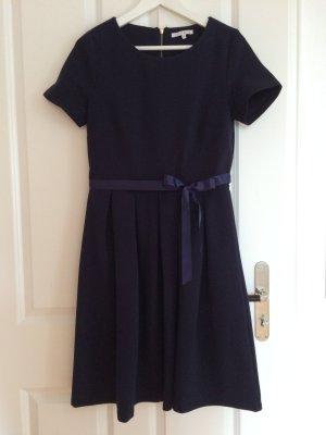 mint.&.barry Blaues Kleid in der Größe M.