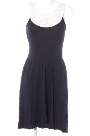Mint&berry A-Linien Kleid schwarz-wollweiß Street-Fashion-Look