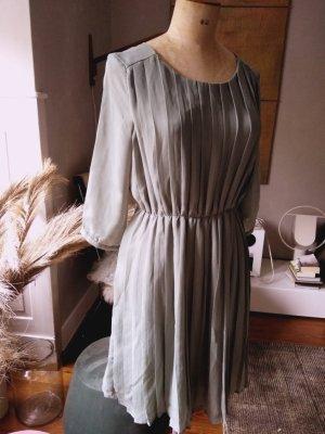 Mint&Berry Plisee-Kleid, Pastellgrün, Gr. 38/M, neuwertig