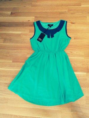 Mint farbenes Kleid mit Kragen