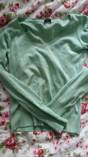 Mintfarbener Pullover