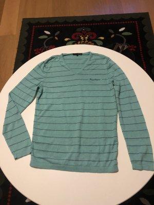 Mintfarbener Sweater