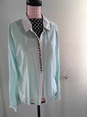 mintgrüne Bluse mit Steinchen