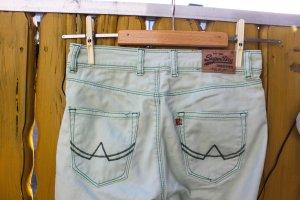 Mintgrüne, enge Jeans *Superdry*, Gr. 32