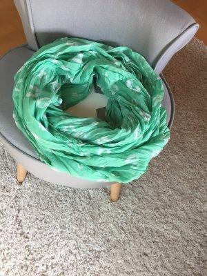 Mintgrüner Loop mit Küssen
